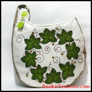 Tas Lucu Maika Etnik Mistle Toe painting, tas handmade wanita, tas selempang wanita